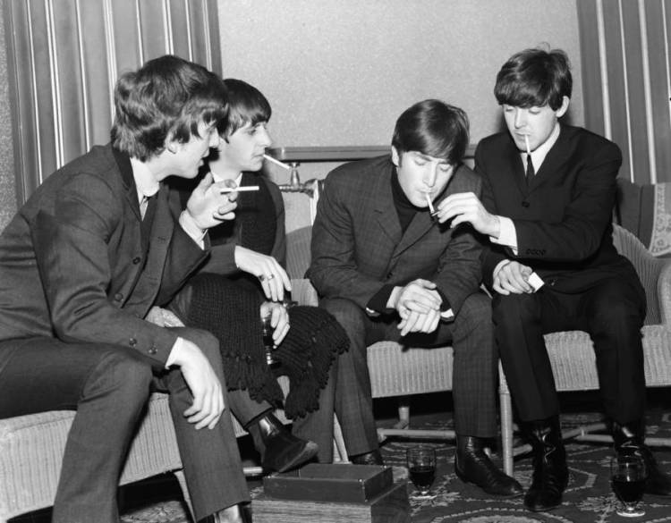 Tour-photography-photographing-the-beatles-backstage
